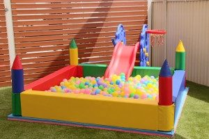 Castle Ball Pit Low BT77